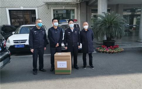 成都棠湖投资控股(集团)有限公司向成都市公安局双流区分局捐赠口罩